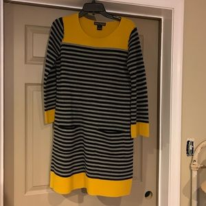Stripes and mustard sweater dress 👗
